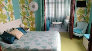 2 bedrooms, individually decorated, individually furnished
