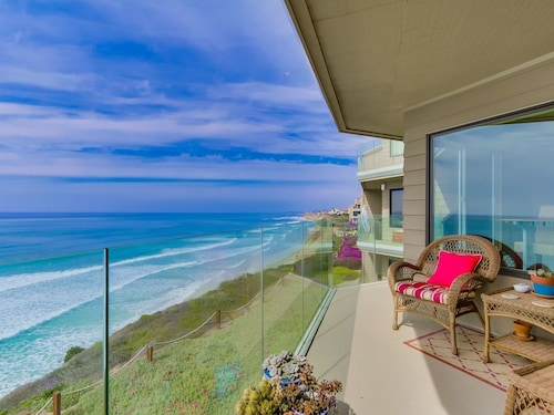 Ocean Front Views Luxury Beach Condo! Pool & Spa