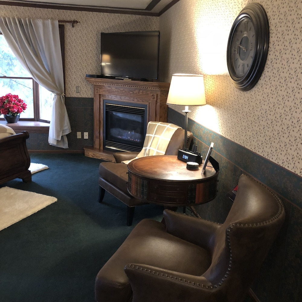 Room Amenity, Otter Creek Inn Fireplace and Jacuzzi Suites