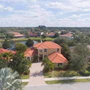 Dream Waterview Mansion - Sleeps 24