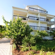 Perkovic Apartment A2+2 is Just 50 Metres From the Inviting Beach
