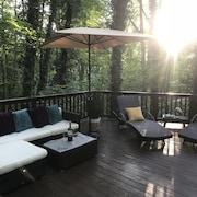 Amazing Porch, The Perfect Get Away in PA Walking Distance to Attractions