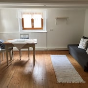 Romantic, Listed Holiday Apartment in Freiburg-herdern am Kirchplatz