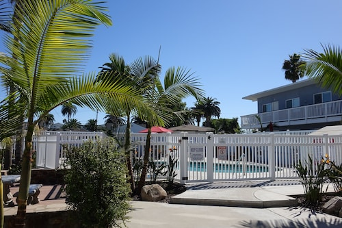 Beach Vacation Home - Premium Location G