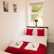 Moseley Mews Village Suites - Red