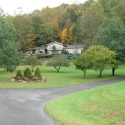Large, Secluded - Reunions, Retreats, Weddings, Bristol Race, Foliage, Skiing