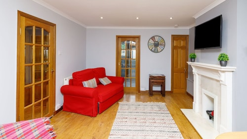 The Inglewood Apartment is a Stylish Refurbished 1 Bedroom Serviced Apartment