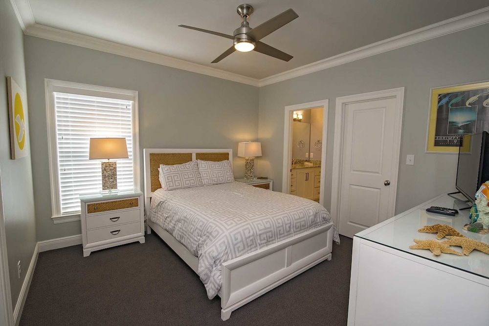 Big Easy Beach House 6 Bedrooms 4.5 Bathrooms Home in Gulf ...
