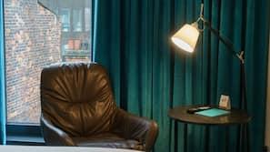 Bettwäsche aus ägyptischer Baumwolle, Zimmersafe, Schreibtisch
