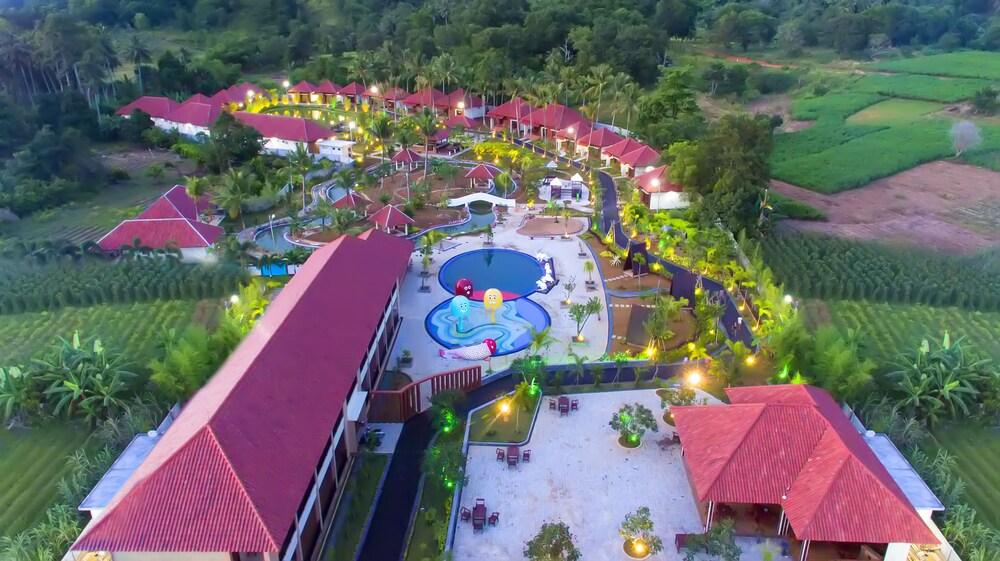 Dayang Resort Singkawang in Singkawang | Hotel Rates ...