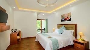 5 bedrooms, in-room safe, individually furnished, desk