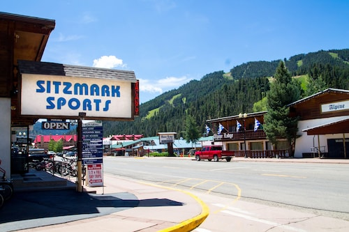 Great Place to stay Sitzmark Sports near Red River