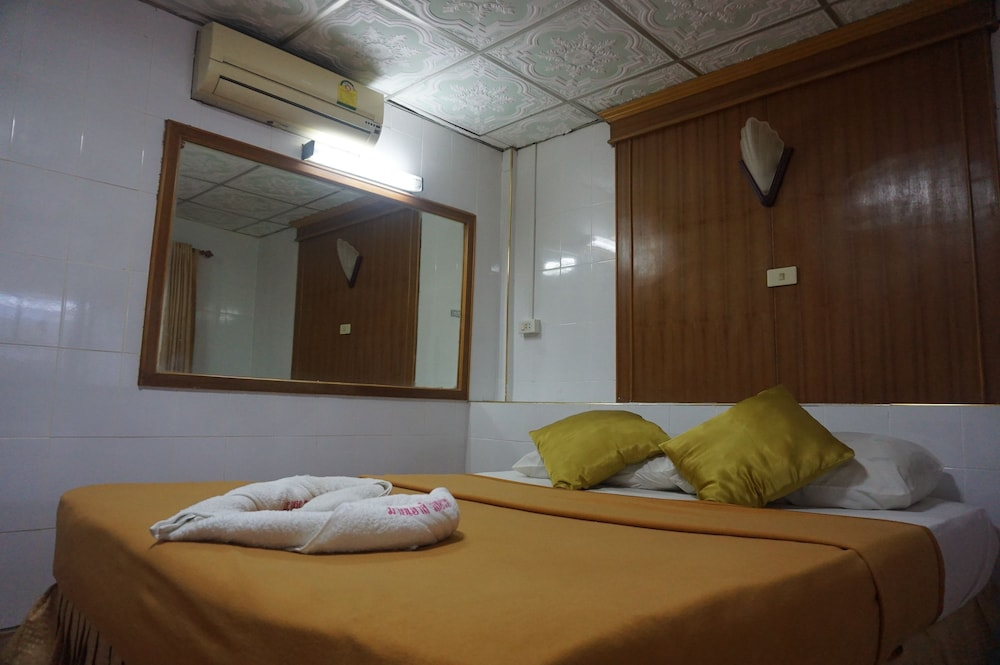 Room, My House Resort  Satun