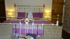 Iron/ironing board, free cots/infant beds, free WiFi, bed sheets