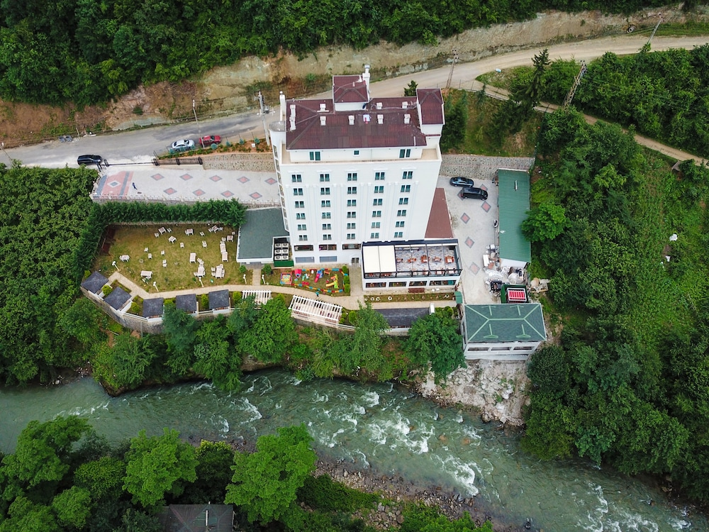 Featured Image, Jolnar Garden Hotel