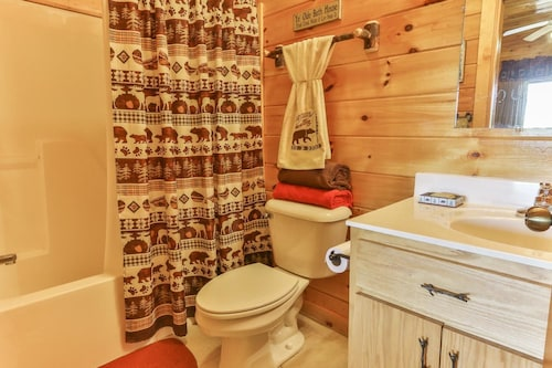 Check Expedia for Availability of CHEROKEE SUNRISE LODGE Apartment 4 NEVAEH CABIN RENTALS