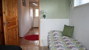 3 makuuhuonetta, pimennysverhot, silitysrauta/-lauta