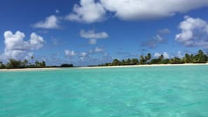 Plage privée, sable blanc, snorkeling, kayak