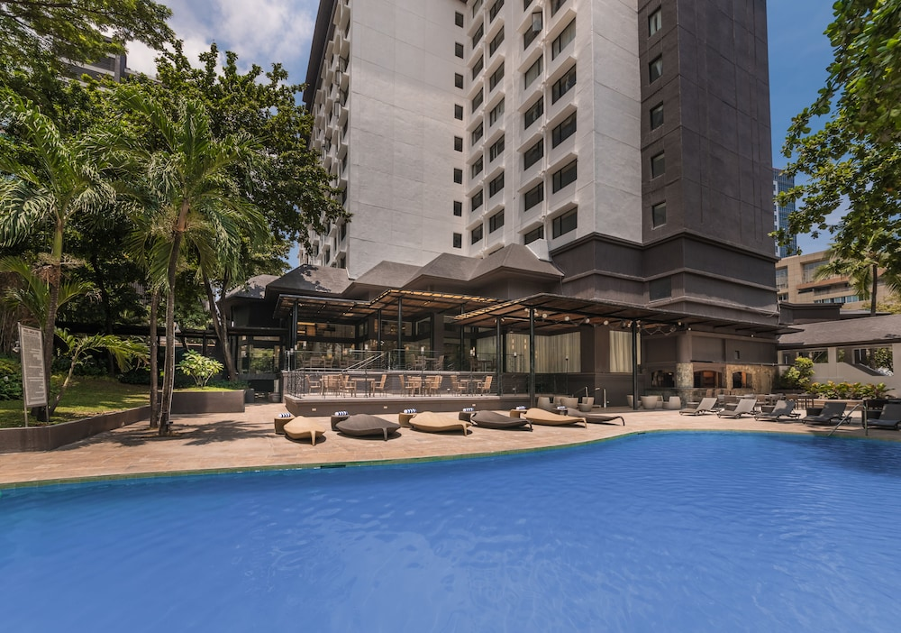 Outdoor Pool, Seda Ayala Center Cebu