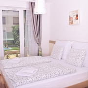 Corvin Holiday Apartment Hotel