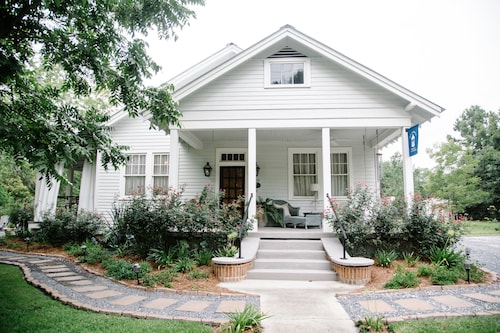 Great Place to stay Blue Heron Bed and Breakfast near Mandeville