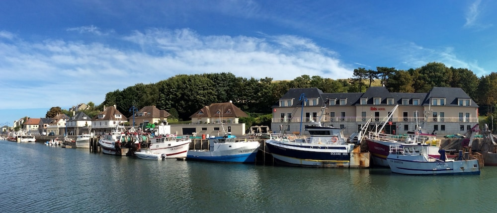 Ibis bayeux port en bessin 2017 room prices deals - Fete de la coquille st jacques port en bessin ...
