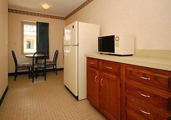 Private Kitchen, Rodeway Inn And Suites