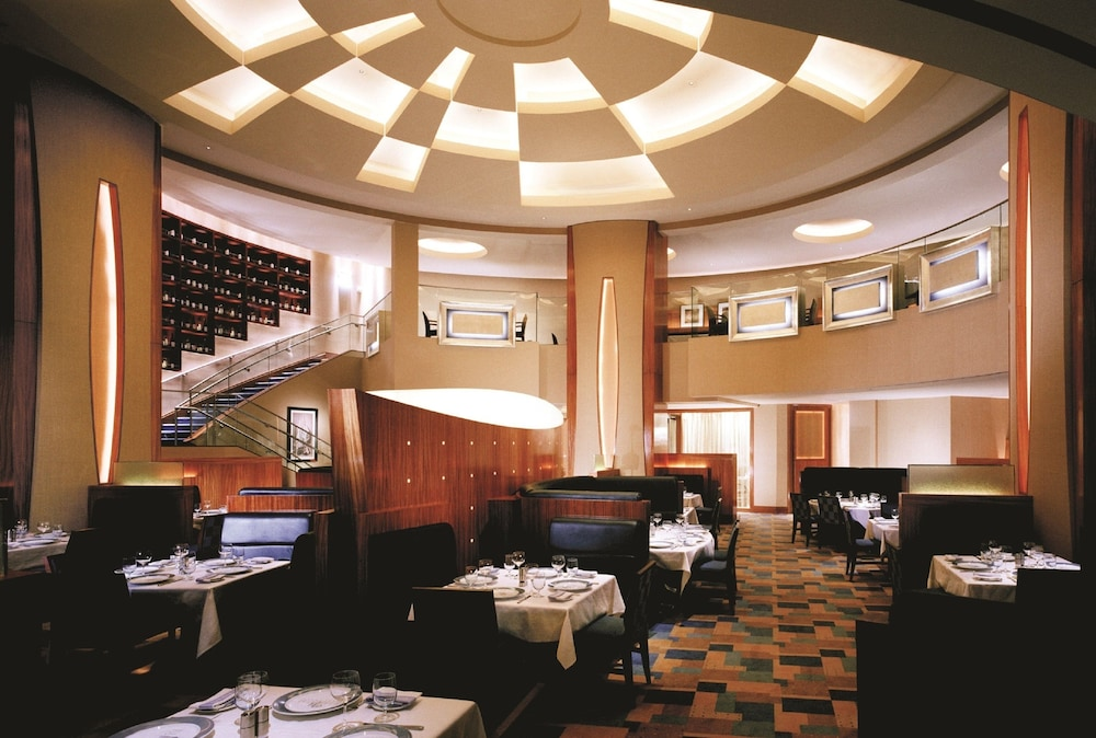 Restaurant, The Water Club