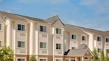 Microtel Inn & Suites by Wyndham Perry - Perry Hotels