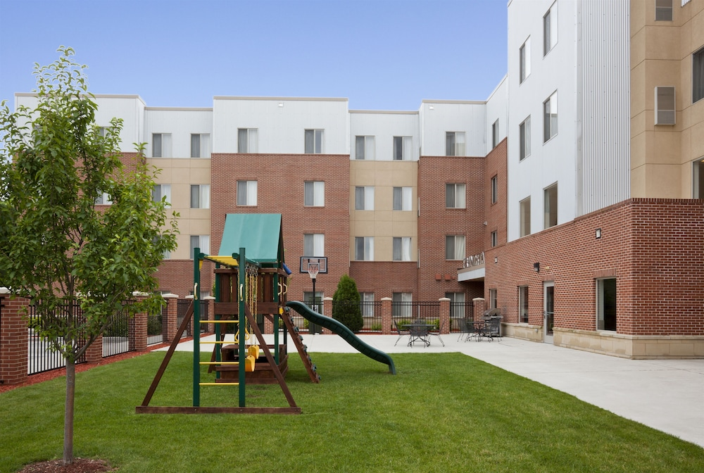 Children's Play Area - Outdoor, Grandstay Residential Suites Hotel - Sheboygan