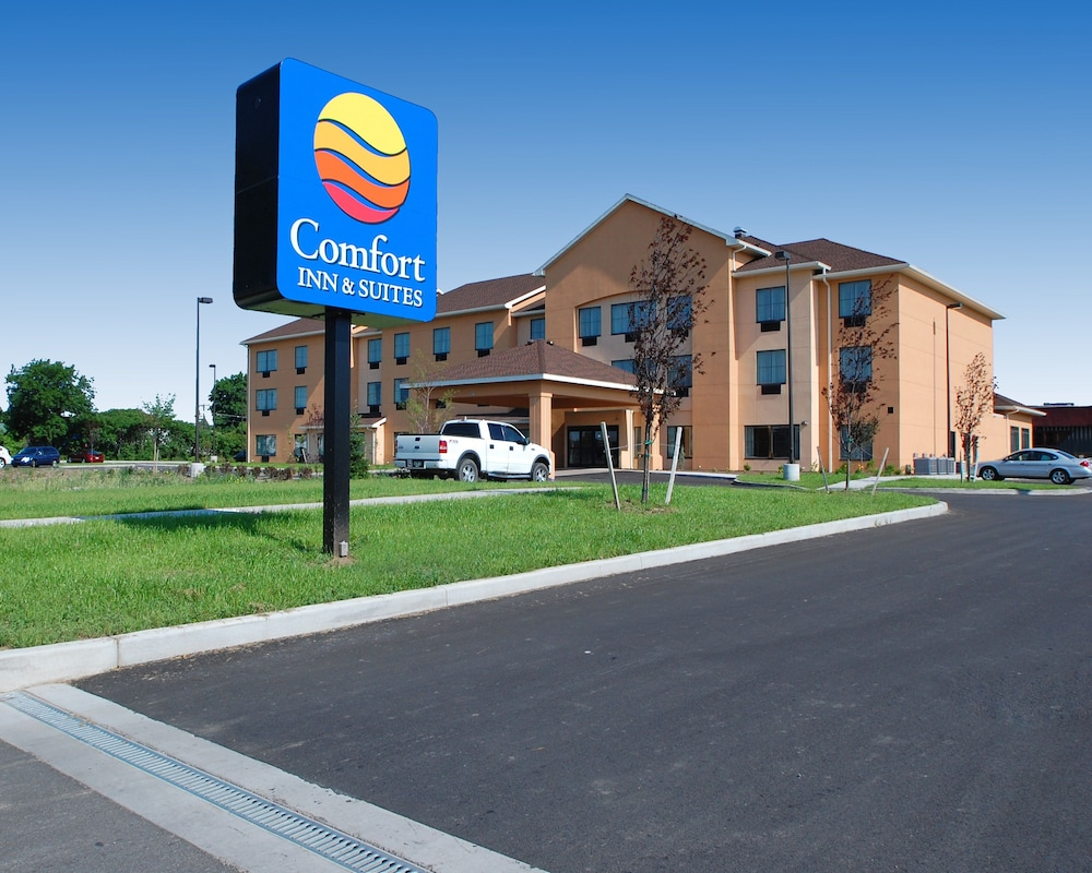 Building design, Comfort Inn & Suites Farmington - Victor