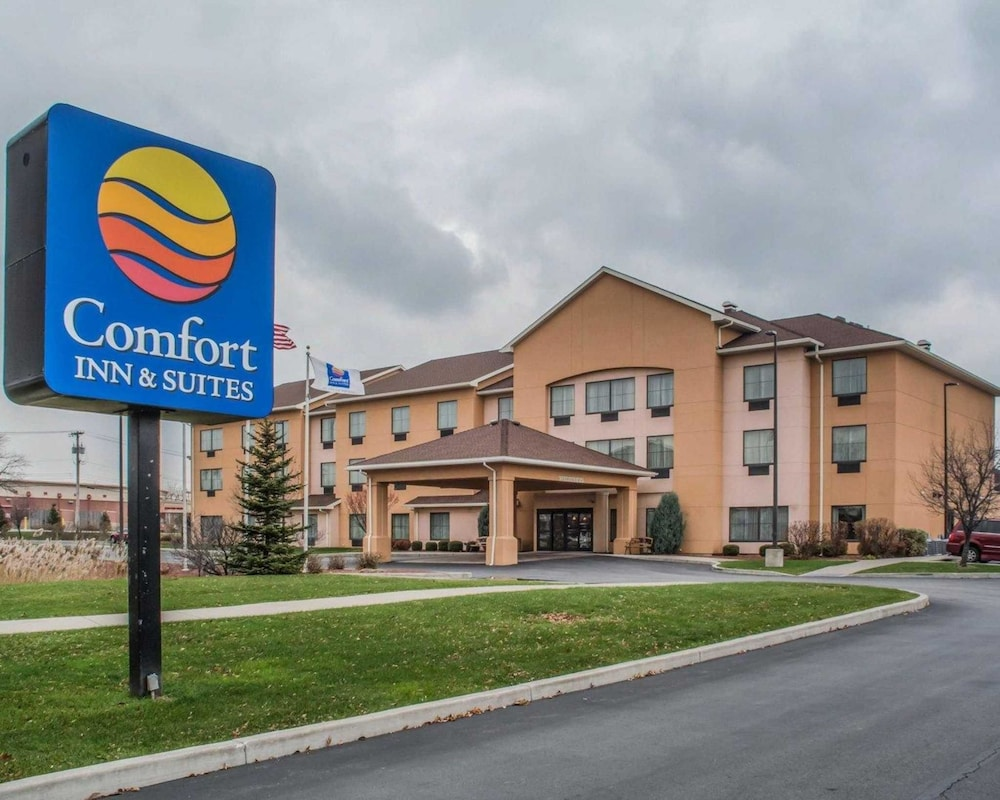 Featured Image, Comfort Inn & Suites Farmington - Victor