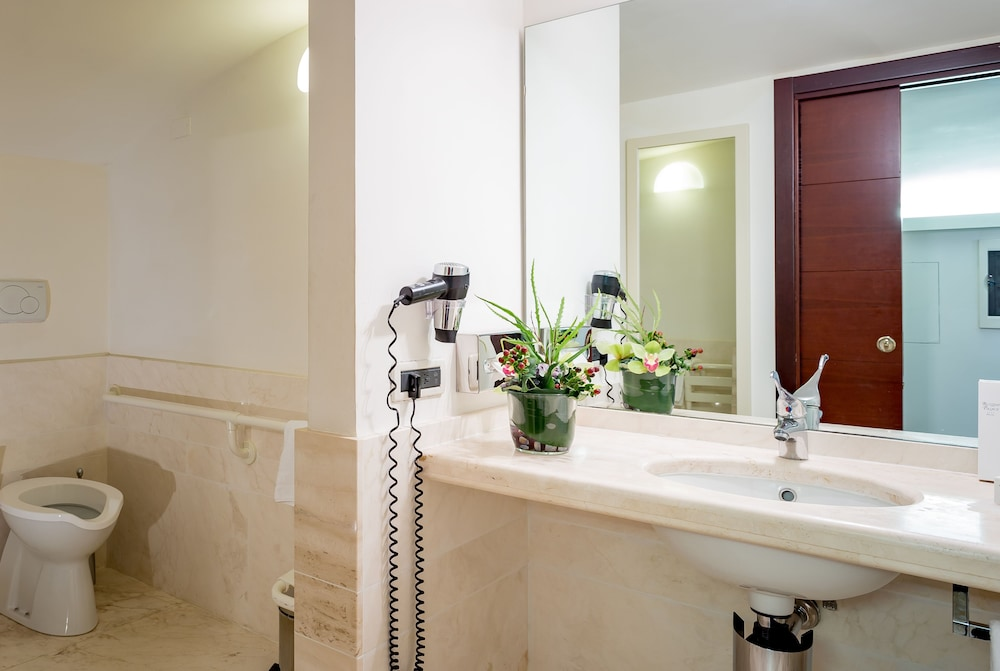 Bathroom, Ruzzini Palace Hotel