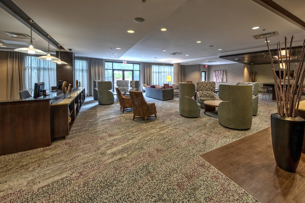 Lobby, Courtyard by Marriott Newport News Airport