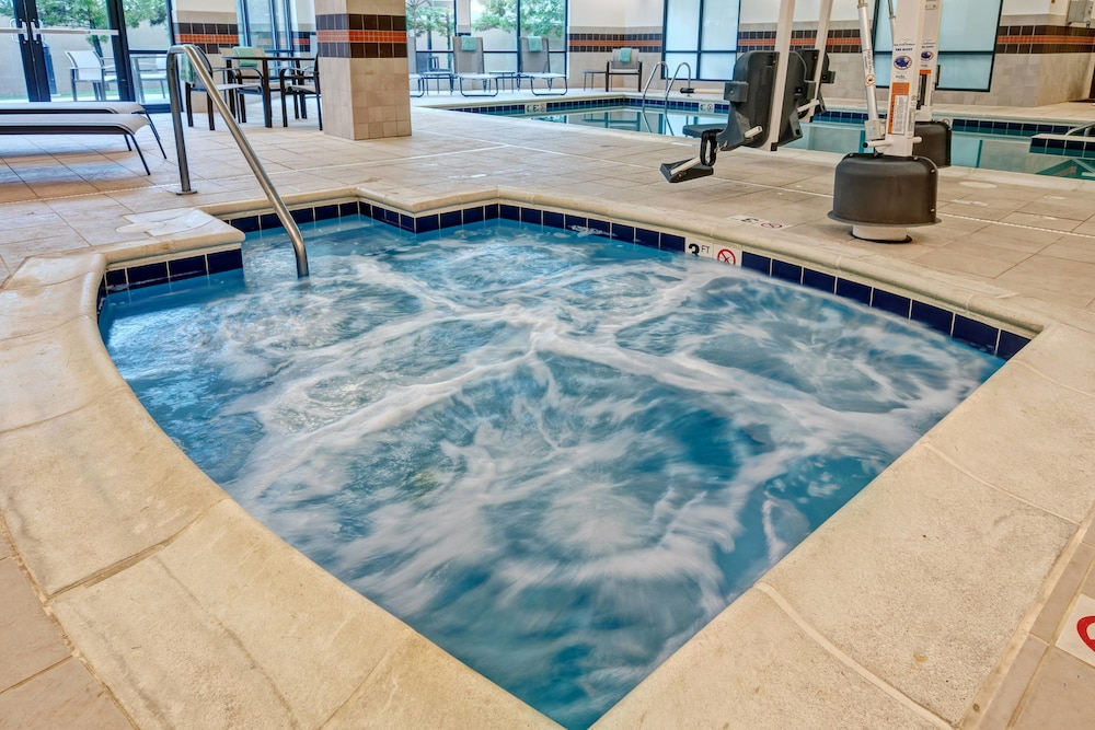 Indoor Spa Tub, Courtyard by Marriott Newport News Airport