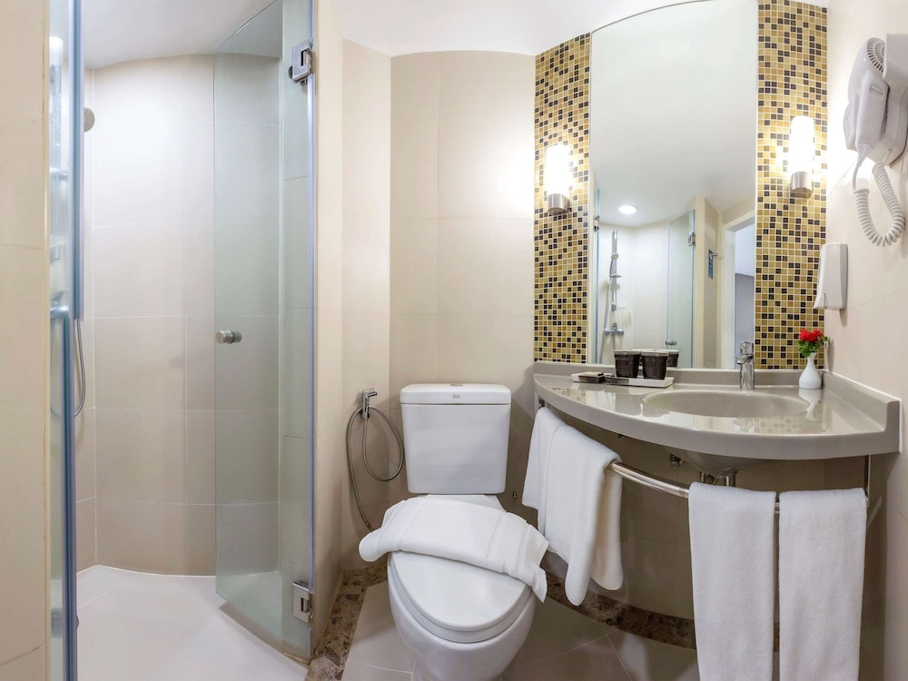Bathroom, ibis Phuket Patong