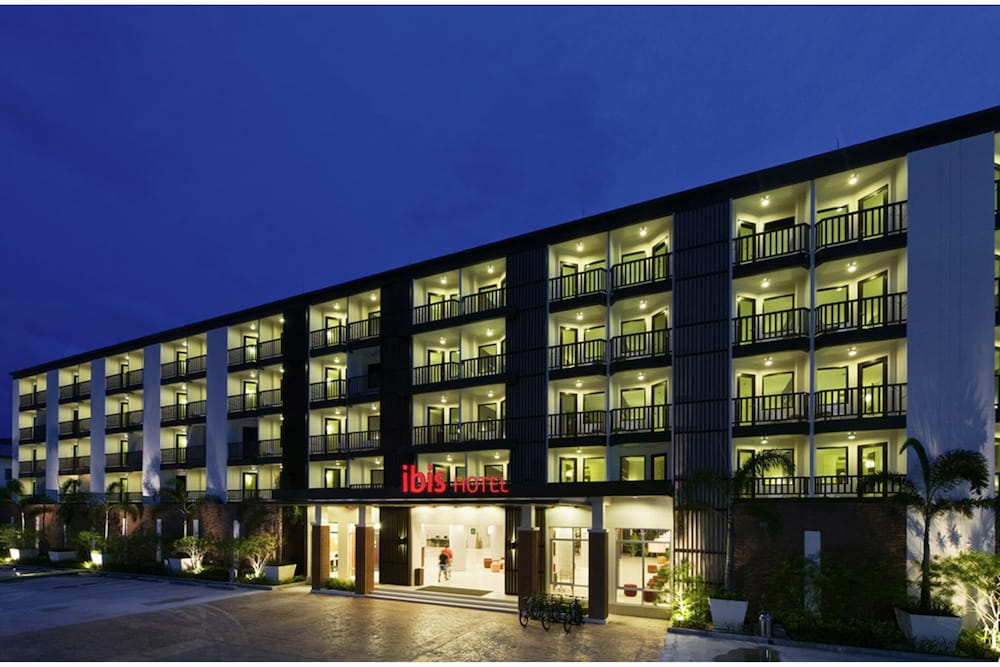 Front of Property - Evening/Night, ibis Phuket Patong