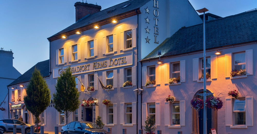 Front of Property - Evening/Night, Headfort Arms Hotel