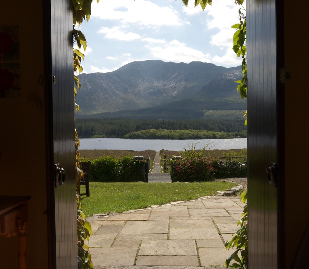 Porch, Lough Inagh Lodge Hotel