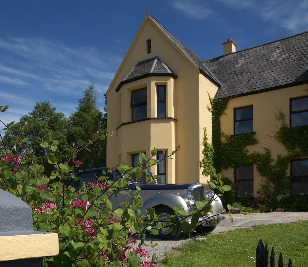 Front of Property, Lough Inagh Lodge Hotel