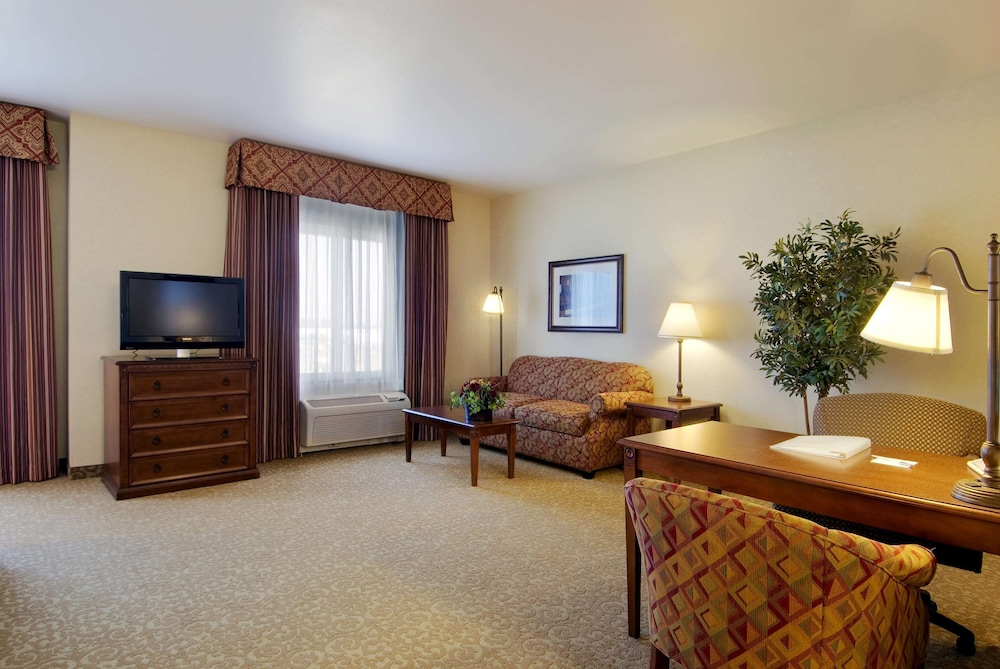 Living Area, Hampton Inn & Suites Lodi