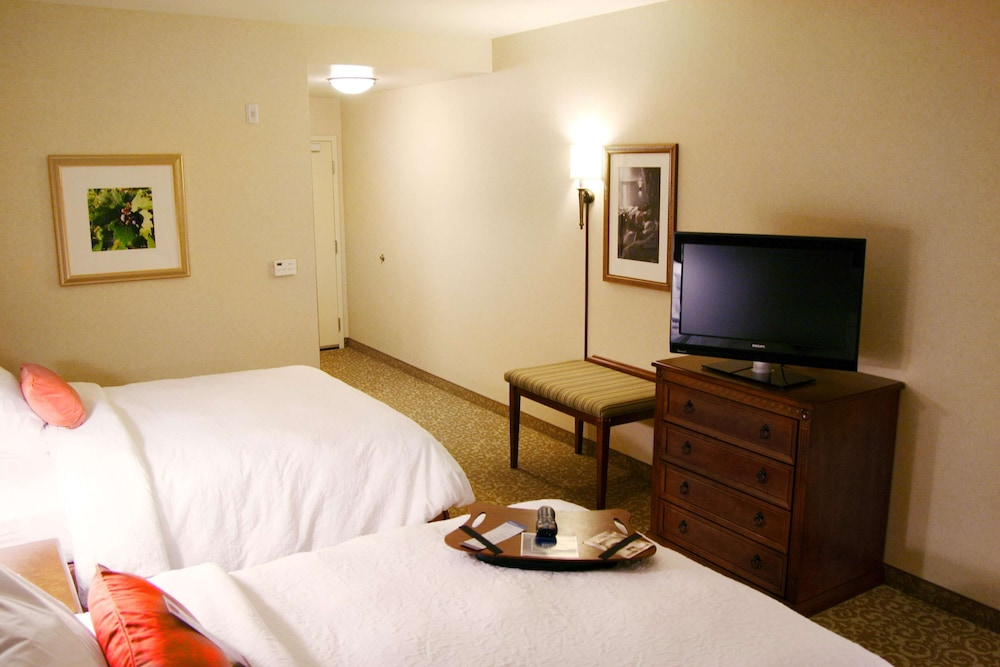 Room, Hampton Inn & Suites Lodi