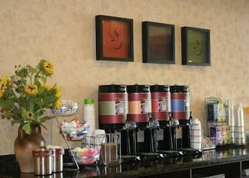 Coffee Service, Hampton Inn & Suites Lodi