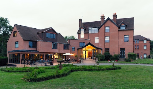 Guildford Manor Hotel & Spa
