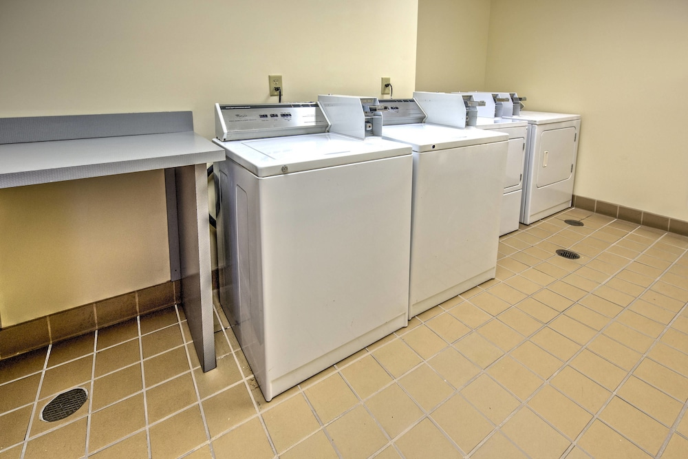 Laundry, Fairfield Inn & Suites by Marriott Memphis Olive Branch