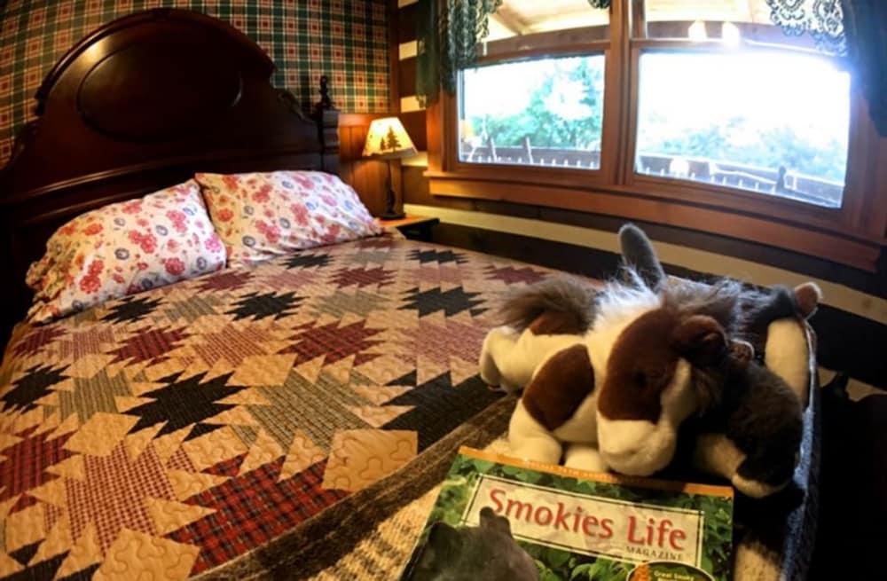 Creekwalk Inn And Cabins In Gatlinburg Pigeon Forge Tn