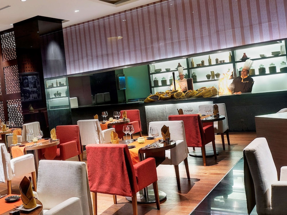 Restaurant, Novotel Hyderabad Airport Hotel