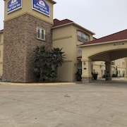 Americas Best Value Inn & Suites Gun Barrel City
