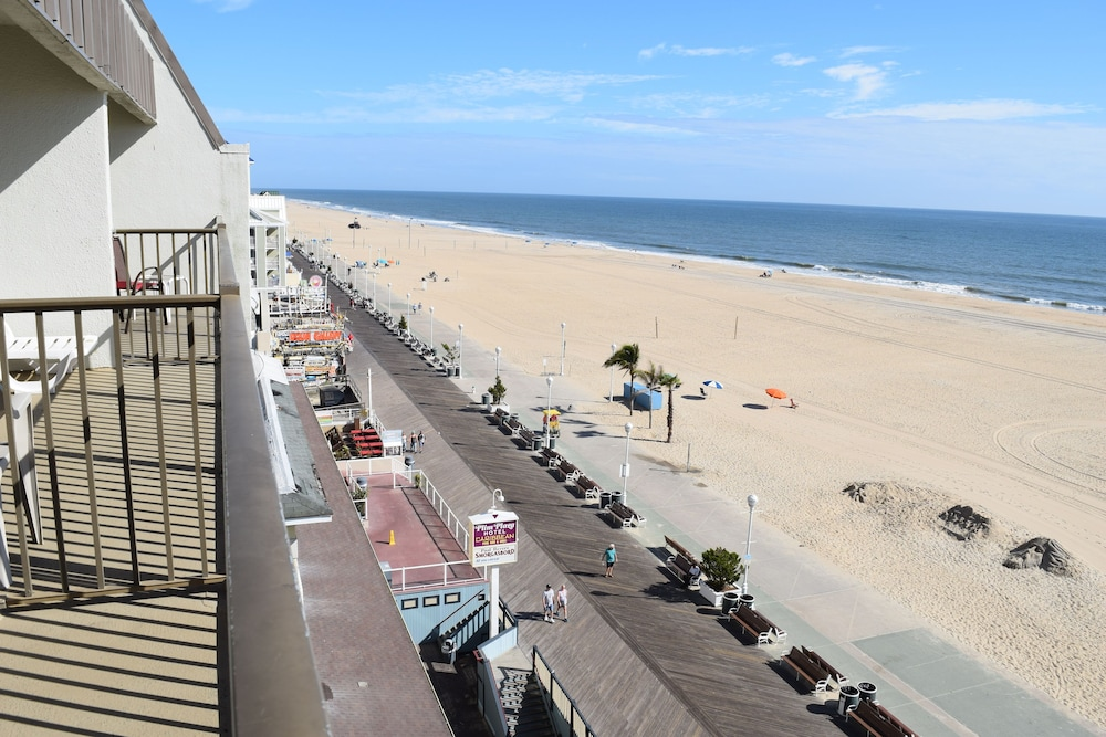 Balcony, Boardwalk One by Capital Vacations