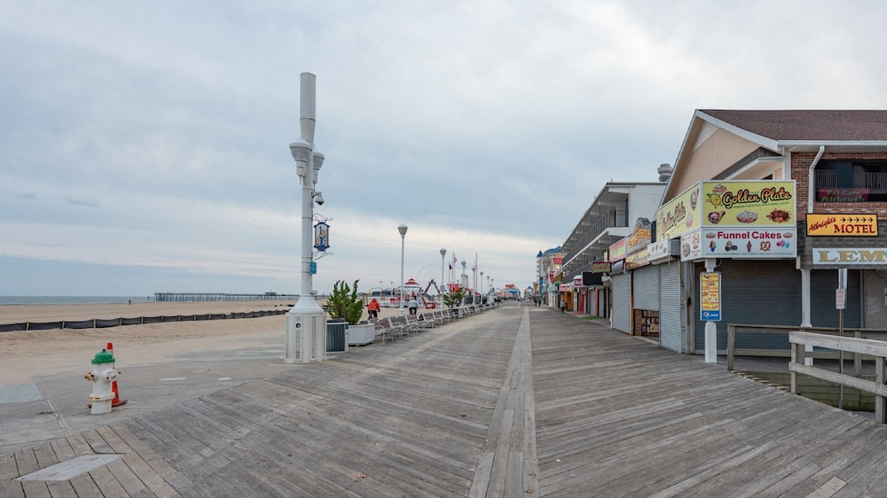 Beach/Ocean View, Boardwalk One by Capital Vacations